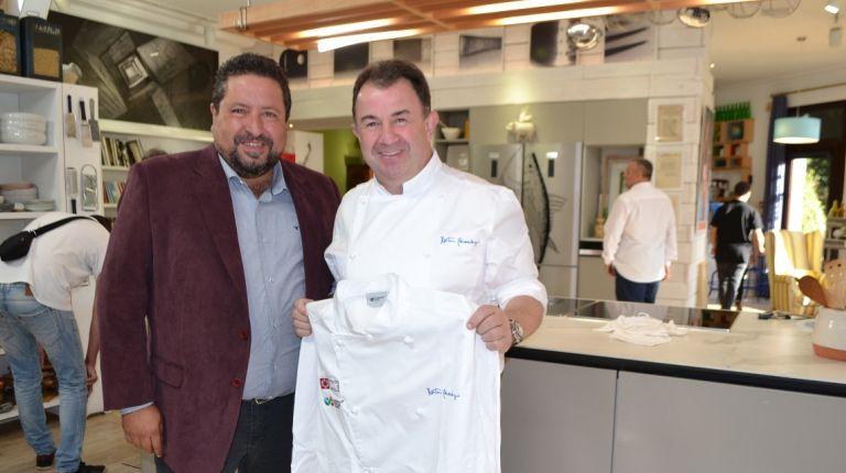 Martín Berasategui comparte sus conocimientos con los cocineros de la zona gracias a Castelló Ruta de Sabor