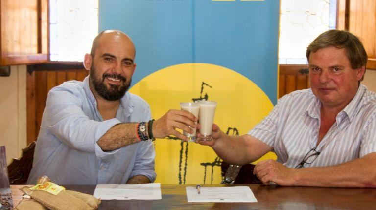 La horchata  es  la bebida oficial del Xufa Rock que se celebra la noche de San Juan en la Playa de Alboraya
